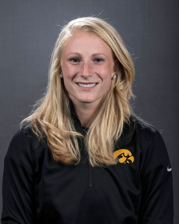 Sarah Kurtz - Softball - University of Iowa Athletics