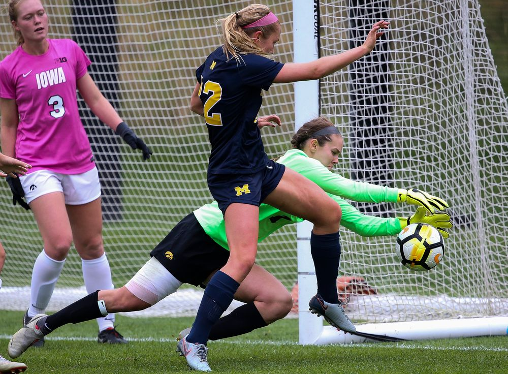 Iowa Hawkeyes goalkeeper Claire Graves (1) makes a save during a game against Michigan at the Iowa Soccer Complex on October 14, 2018. (Tork Mason/hawkeyesports.com)