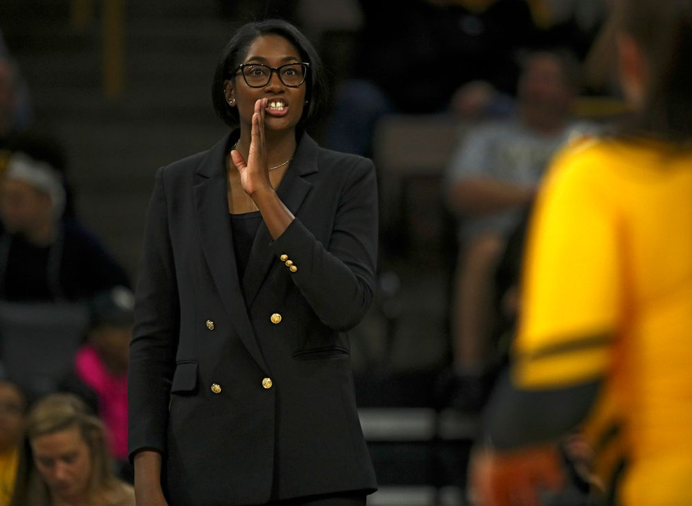 Iowa head coach Vicki Brown talks with her players during the first set of their match at Carver-Hawkeye Arena in Iowa City on Friday, Nov 29, 2019. (Stephen Mally/hawkeyesports.com)