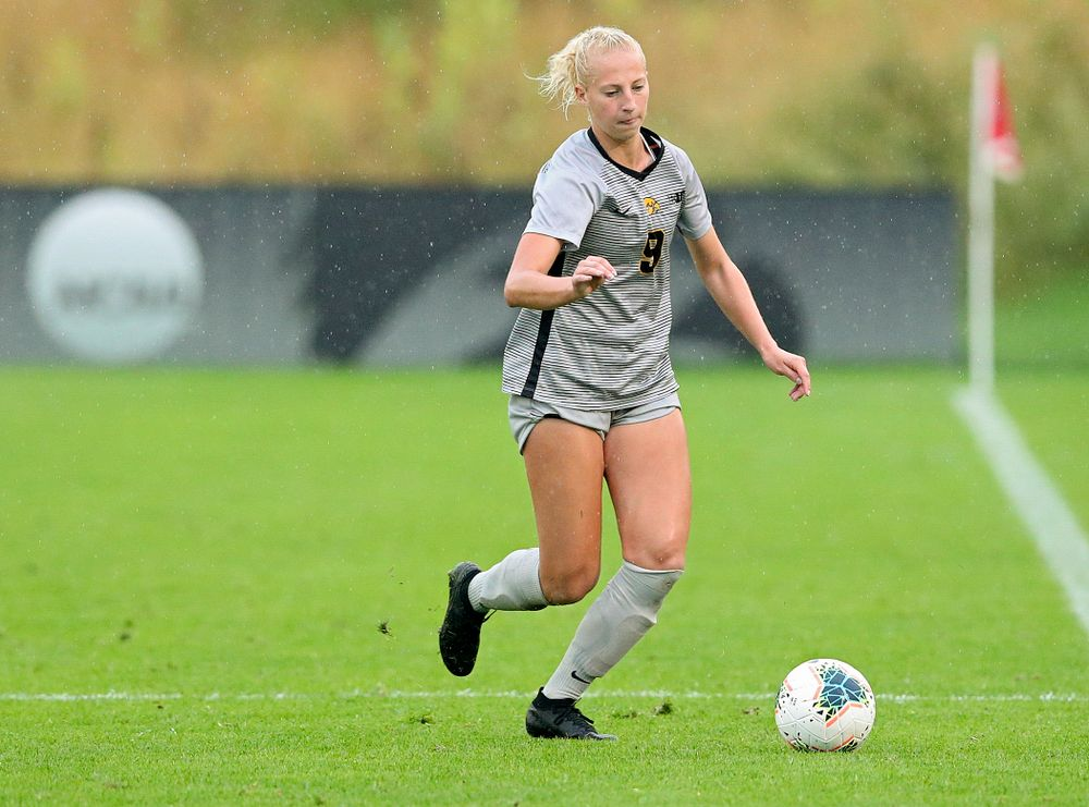 Iowa defender Samantha Cary (9) moves with the ball during the second half of their match at the Iowa Soccer Complex in Iowa City on Sunday, Sep 29, 2019. (Stephen Mally/hawkeyesports.com)