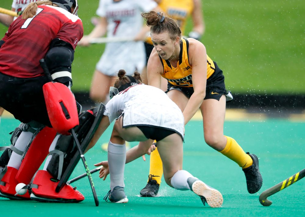 Iowa Hawkeyes Maddy Murphy (26) sneaks the ball between the goal keepers legs as she scores against Stanford Sunday, October 7, 2018 at Grant Field. (Brian Ray/hawkeyesports.com)