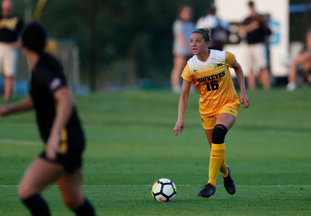 Iowa Hawkeyes Olivia Hellweg (16) against the Missouri Tigers Friday, August 17, 2018 at the Iowa Soccer Complex. (Brian Ray/hawkeyesports.com)