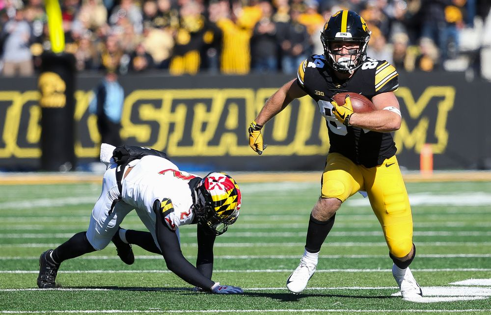 Iowa Hawkeyes wide receiver Nick Easley (84) runs the ball during a game against Maryland at Kinnick Stadium on October 20, 2018. (Tork Mason/hawkeyesports.com)