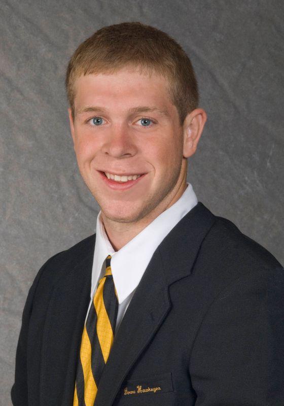 Jared Kracke - Football - University of Iowa Athletics