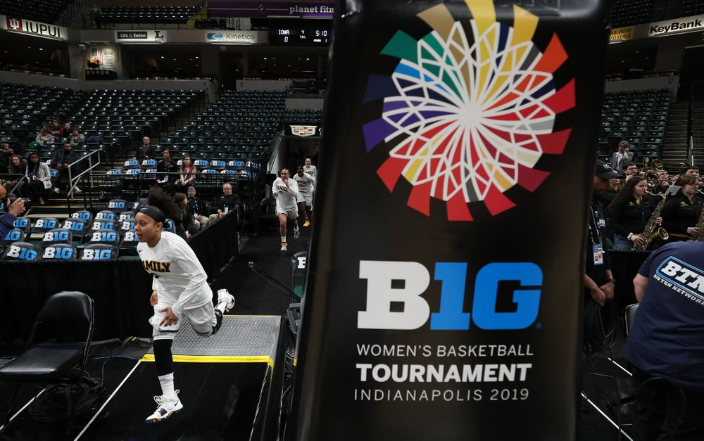 Iowa Hawkeyes guard Tania Davis (11) against the Indiana Hoosiers in the quarterfinals of the Big Ten Tournament Friday, March 8, 2019 at Bankers Life Fieldhouse in Indianapolis, Ind. (Brian Ray/hawkeyesports.com)