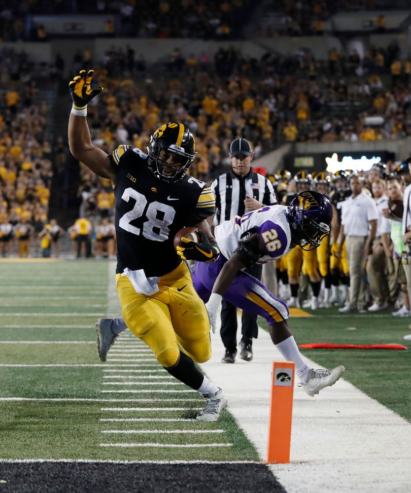 Iowa Hawkeyes running back Toren Young (28) scores a touchdown against the Northern Iowa Panthers Saturday, September 15, 2018 at Kinnick Stadium. (Brian Ray/hawkeyesports.com)