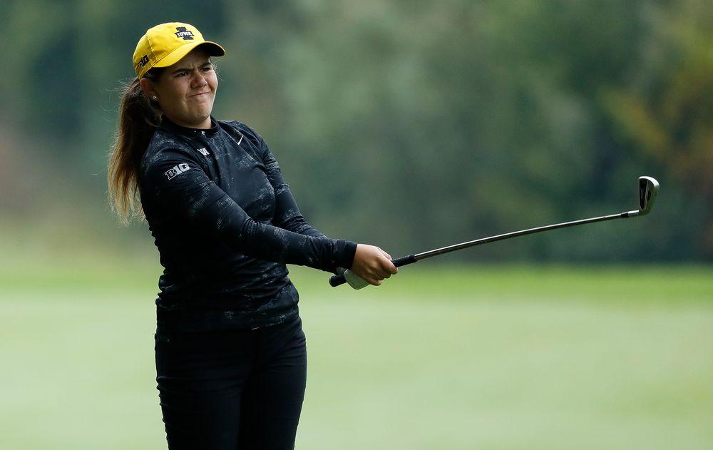 Iowa's Manuela Lizarazu hits an approach shot during the final round of the Diane Thomason Invitational at Finkbine Golf Course on September 30, 2018. (Tork Mason/hawkeyesports.com)