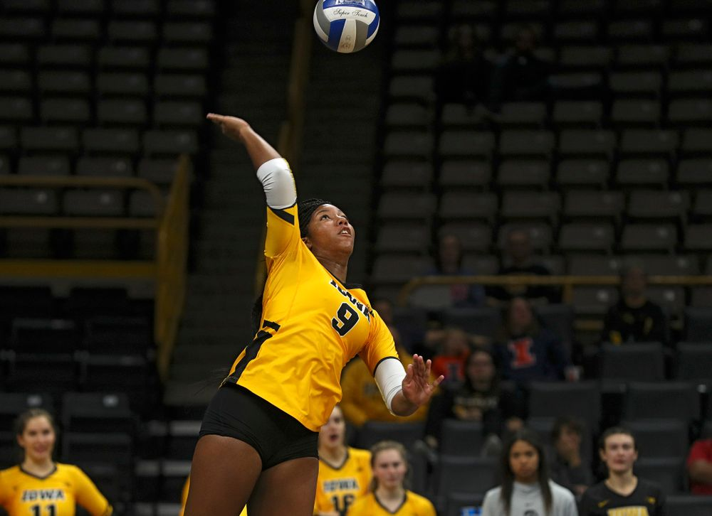 Iowa's Amiya Jones (9) eyes the ball during the second set of their match against Illinois at Carver-Hawkeye Arena in Iowa City on Wednesday, Nov 6, 2019. (Stephen Mally/hawkeyesports.com)