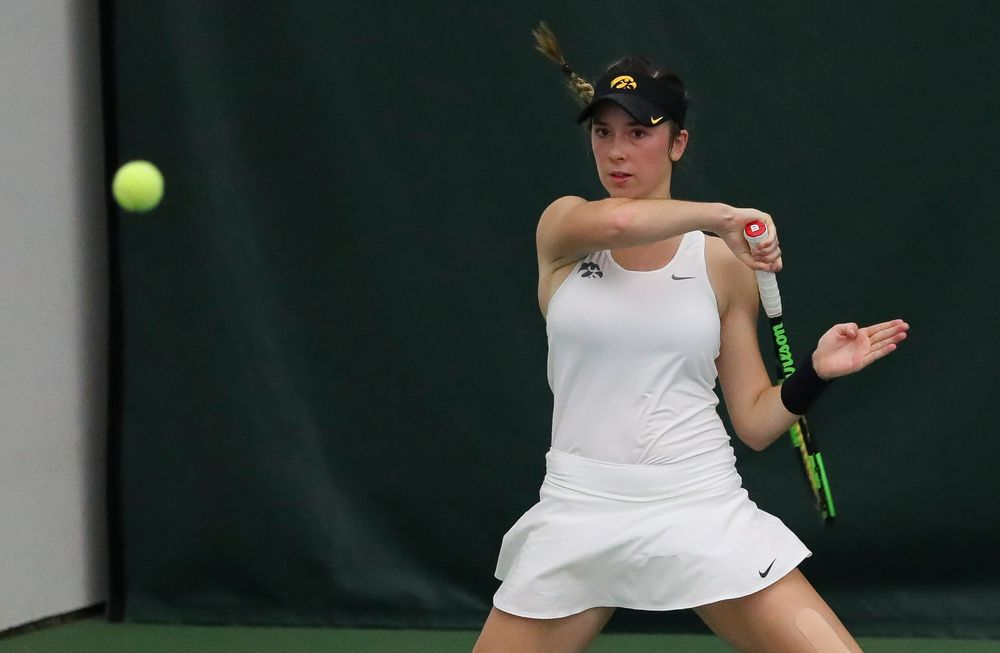 Samantha Mannix returns a shot in a doubles match during the second day of the ITA Central Regional Championships at the Hawkeye Tennis and Recreation Complex on October 13, 2018. (Tork Mason/hawkeyesports.com)