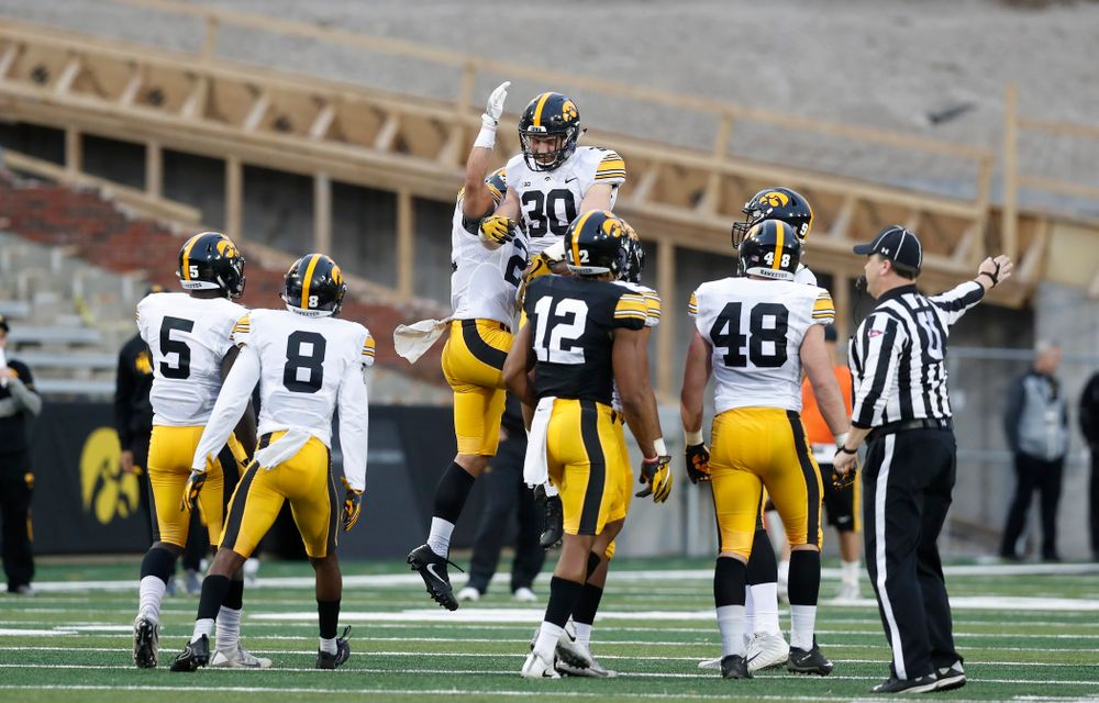 Iowa Hawkeyes defensive back Jake Gervase (30) and defensive back Amani Hooker (27) during the final spring practice Friday, April 20, 2018 at Kinnick Stadium. (Brian Ray/hawkeyesports.com)