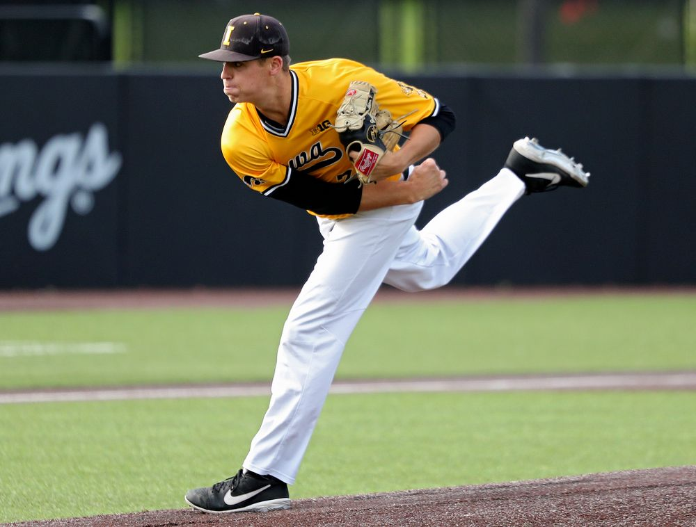 Iowa pitcher Grant Judkins (7) delivers to the plate during the third inning of the first game of the Black and Gold Fall World Series at Duane Banks Field in Iowa City on Tuesday, Oct 15, 2019. (Stephen Mally/hawkeyesports.com)