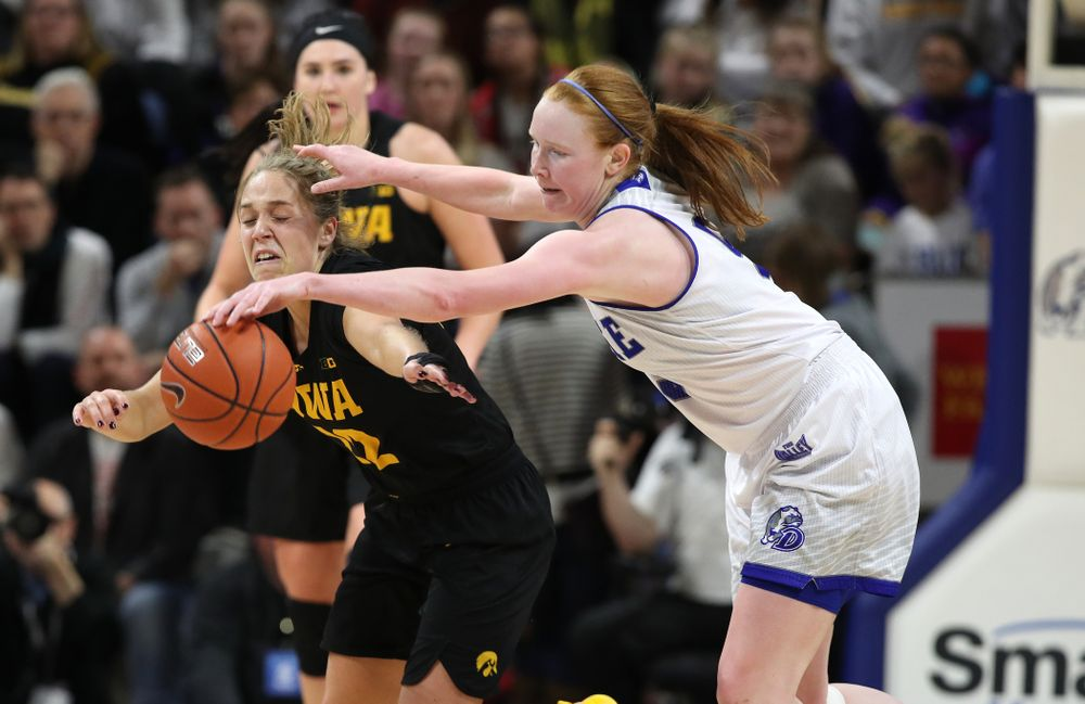 Iowa Hawkeyes guard Kathleen Doyle (22) against the Drake Bulldogs Friday, December 21, 2018 at the Knapp Center in Des Moines. (Brian Ray/hawkeyesports.com)