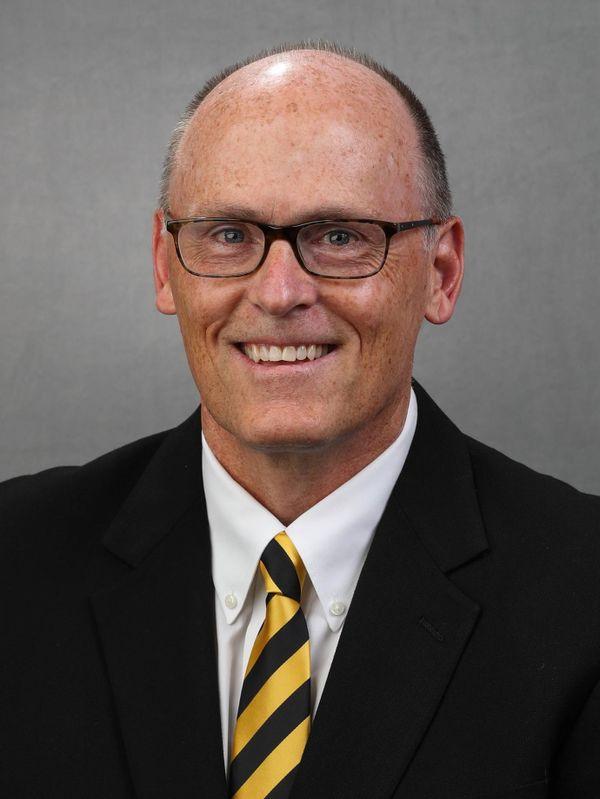 Jay Niemann - Football - University of Iowa Athletics