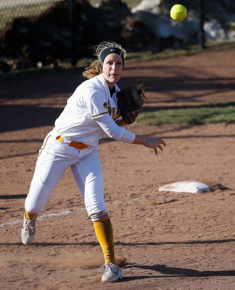Iowa Hawkeyes infielder Sarah Kurtz (9)