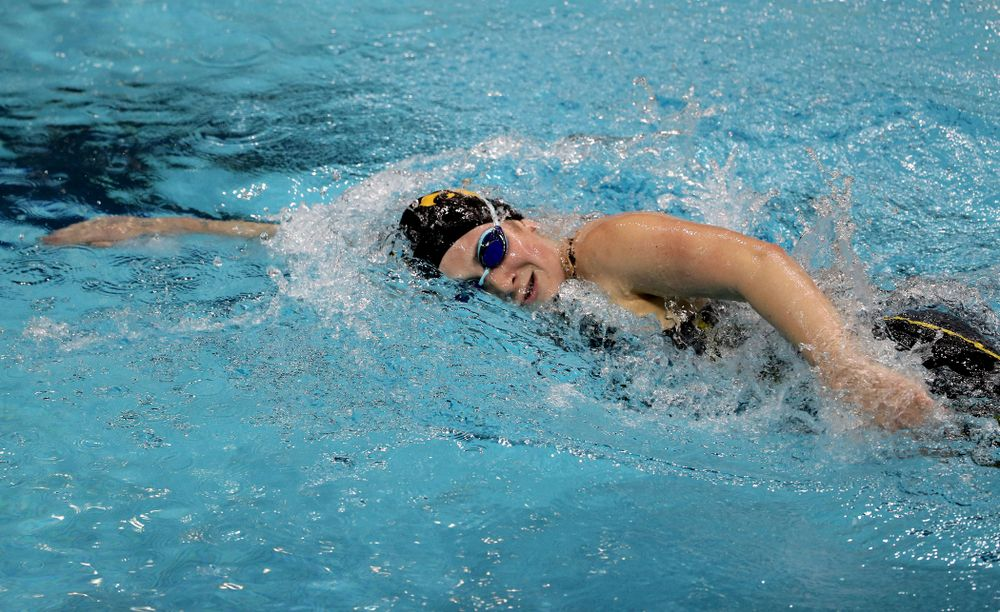Iowa's Abby Schneider swims the 1000-yard freestyle against the Iowa State Cyclones in the Iowa Corn Cy-Hawk Series Friday, December 7, 2018 at at the Campus Recreation and Wellness Center. (Brian Ray/hawkeyesports.com)