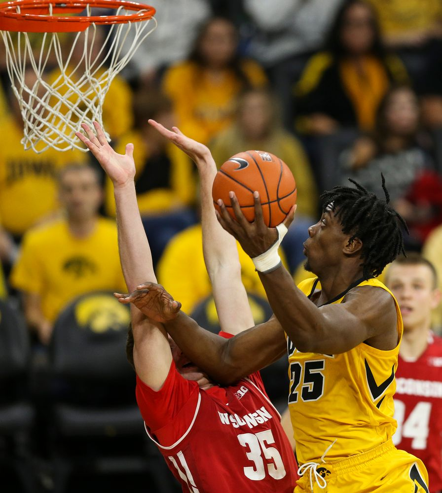 Iowa Hawkeyes forward Tyler Cook (25) goes up for a layup against Wisconsin on November 30, 2018 at Carver-Hawkeye Arena. (Tork Mason/hawkeyesports.com)