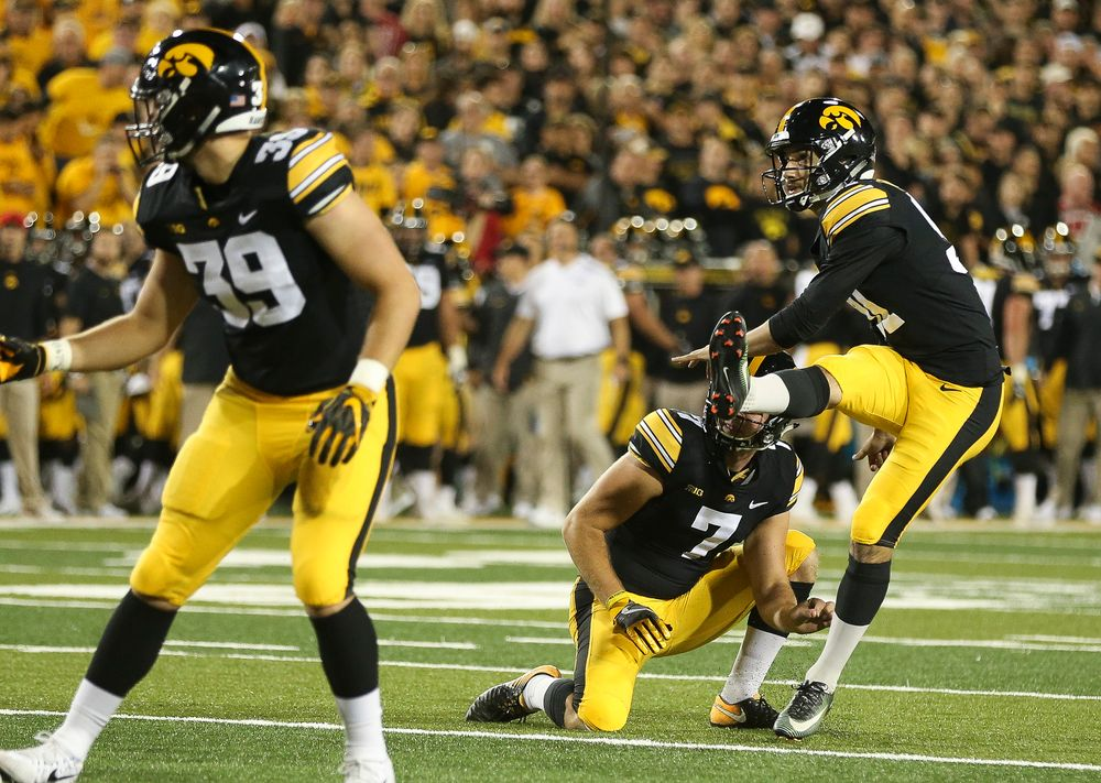 Iowa Hawkeyes placekicker Miguel Recinos (91) kicks an extra point during a game against Wisconsin at Kinnick Stadium on September 22, 2018. (Tork Mason/hawkeyesports.com)