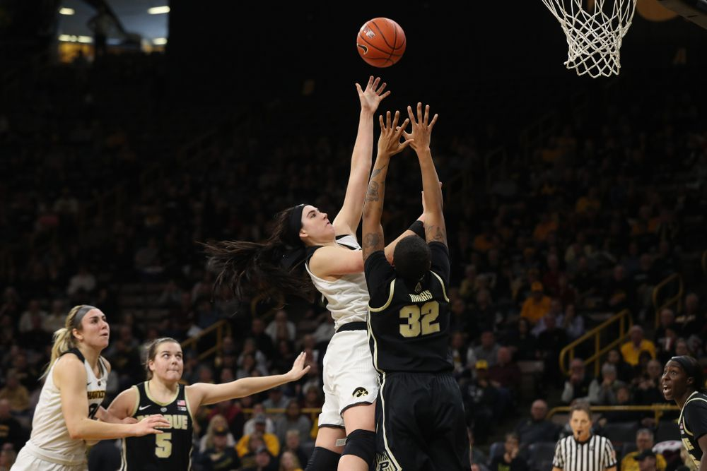 Iowa Hawkeyes forward Megan Gustafson (10) against the Purdue Boilermakers Sunday, January 27, 2019 at Carver-Hawkeye Arena. (Brian Ray/hawkeyesports.com)