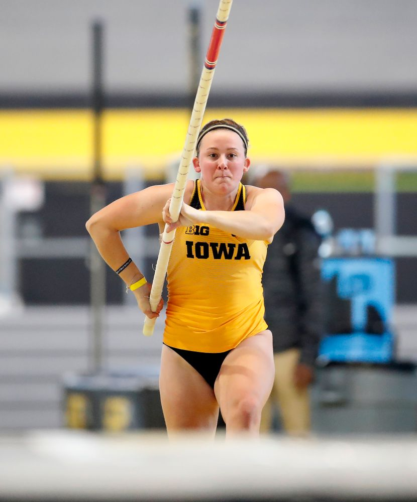 Amy Smith competes in the pole vault