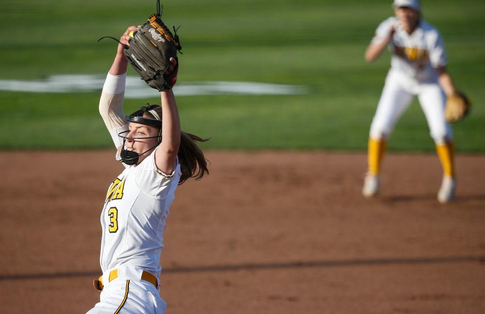 Iowa Hawkeyes pitcher Allison Doocy (3)