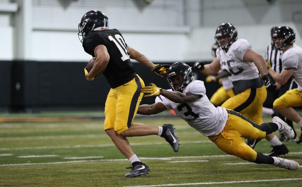 Iowa Hawkeyes running back Camron Harrell (10)