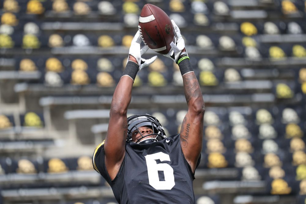 WR Ihmir Smith-Marsette (6) goes up to get one
