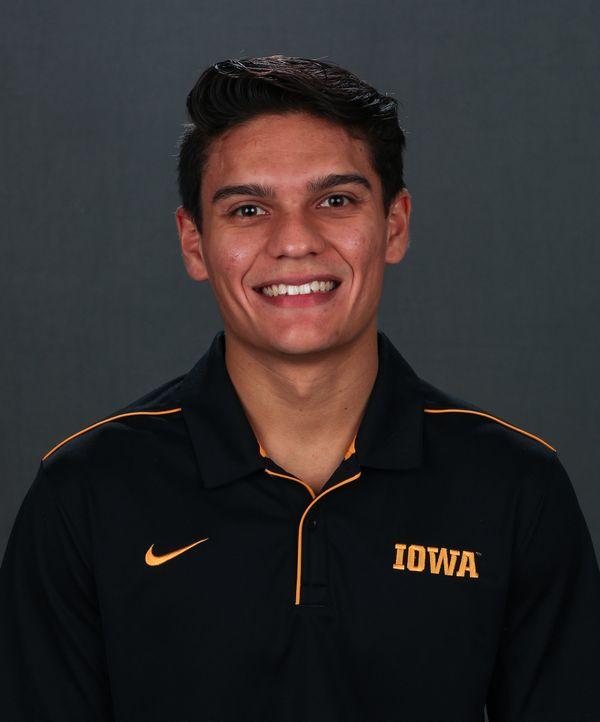 Evan Davis - Men's Gymnastics - University of Iowa Athletics