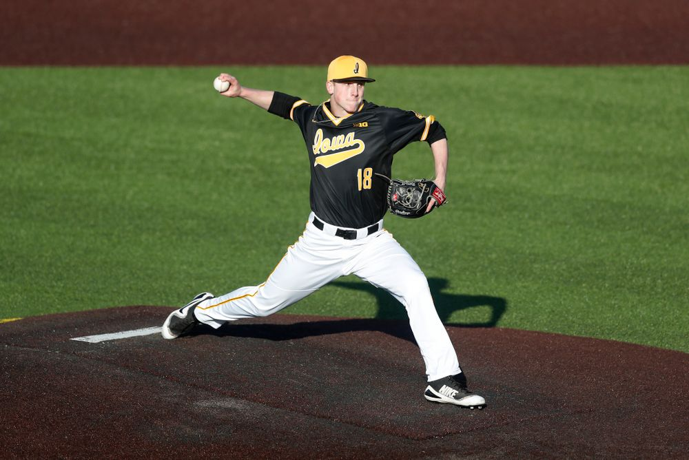 Iowa Hawkeyes pitcher Shane Ritter (18) against Grand View Wednesday, April 4, 2018 at Duane Banks Field. (Brian Ray/hawkeyesports.com)
