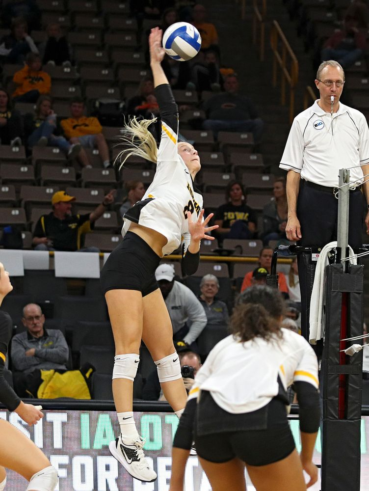 Iowa's Kyndra Hansen (8) lines up a shot during the third set of their volleyball match at Carver-Hawkeye Arena in Iowa City on Sunday, Oct 13, 2019. (Stephen Mally/hawkeyesports.com)