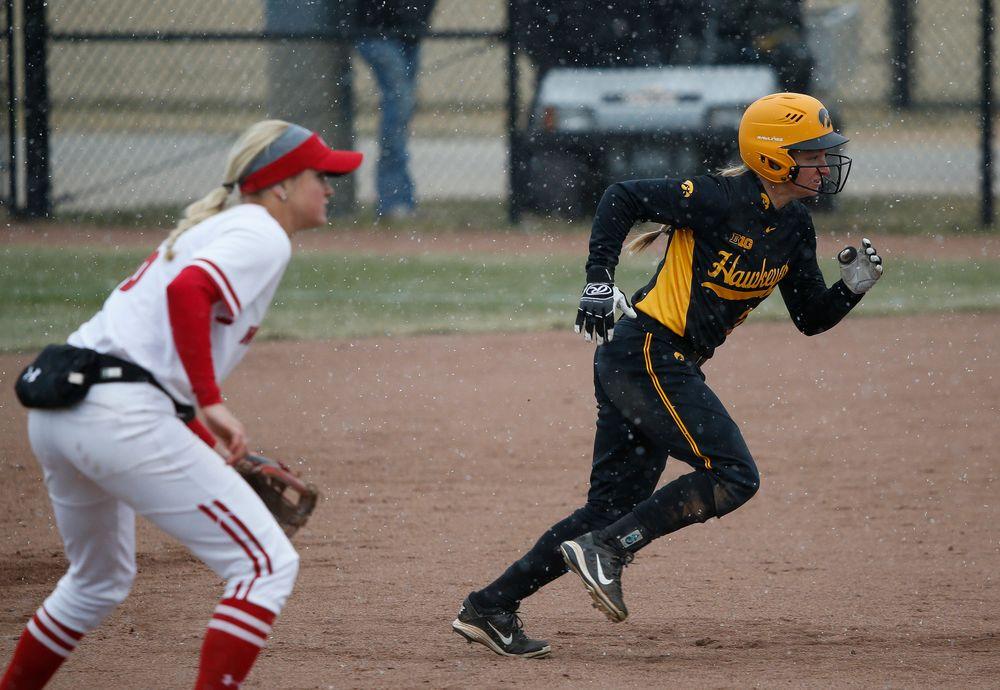 Iowa Hawkeyes outfielder Cheyenne Pratt (27)