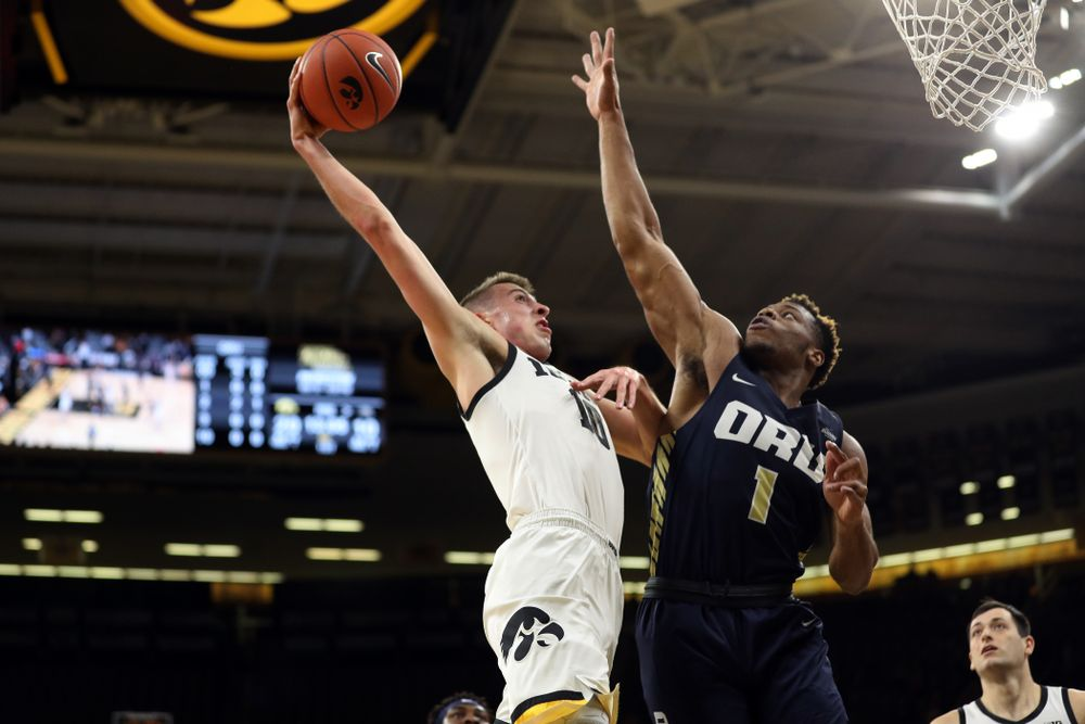 Iowa Hawkeyes guard Joe Wieskamp (10) against Oral Roberts Friday, November 15, 2019 at Carver-Hawkeye Arena. (Brian Ray/hawkeyesports.com)