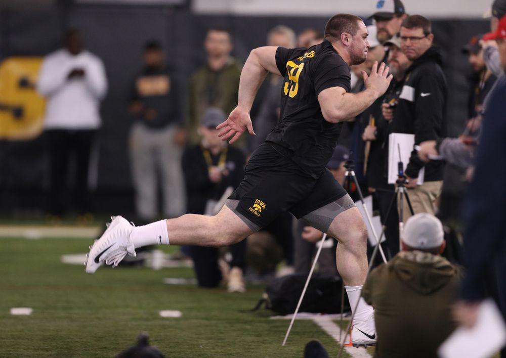 Iowa Hawkeyes offensive lineman Ross Reynolds (59) during the teamÕs annual Pro Day Monday, March 25, 2019 at the Hansen Football Performance Center. (Brian Ray/hawkeyesports.com)