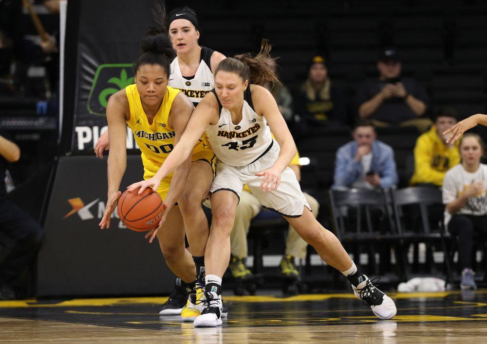 Iowa Hawkeyes forward Amanda Ollinger (43) against the Michigan Wolverines Thursday, January 17, 2019 at Carver-Hawkeye Arena. (Brian Ray/hawkeyesports.com)