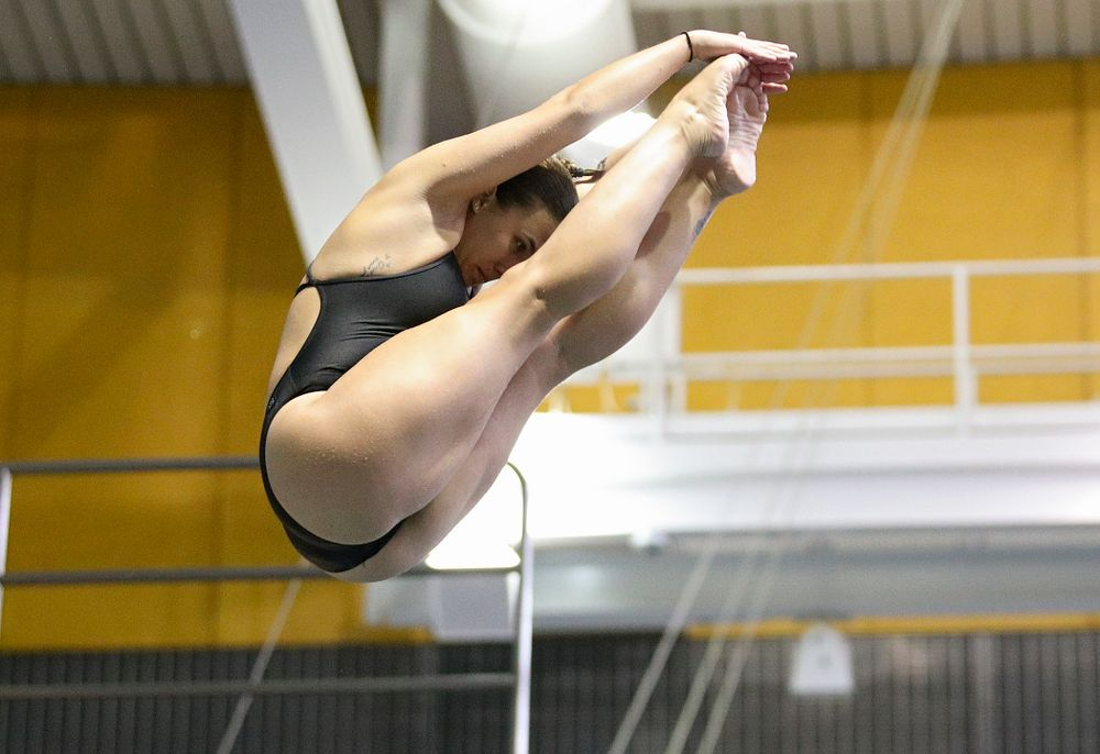 Iowa's Jayah Mathews competes in the women's 3-meter diving event during their meet against Michigan State and Northern Iowa at the Campus Recreation and Wellness Center in Iowa City on Friday, Oct 4, 2019. (Stephen Mally/hawkeyesports.com)