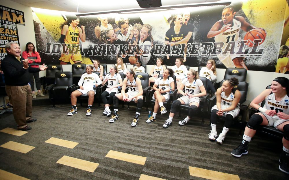 University of Iowa president Bruce Harreld talks with the team after winning their second round game in the 2019 NCAA Women's Basketball Tournament at Carver Hawkeye Arena in Iowa City on Sunday, Mar. 24, 2019. (Stephen Mally for hawkeyesports.com)