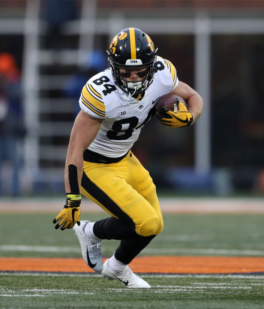 Iowa Hawkeyes wide receiver Nick Easley (84) against the Illinois Fighting Illini Saturday, November 17, 2018 at Memorial Stadium in Champaign, Ill. (Brian Ray/hawkeyesports.com)