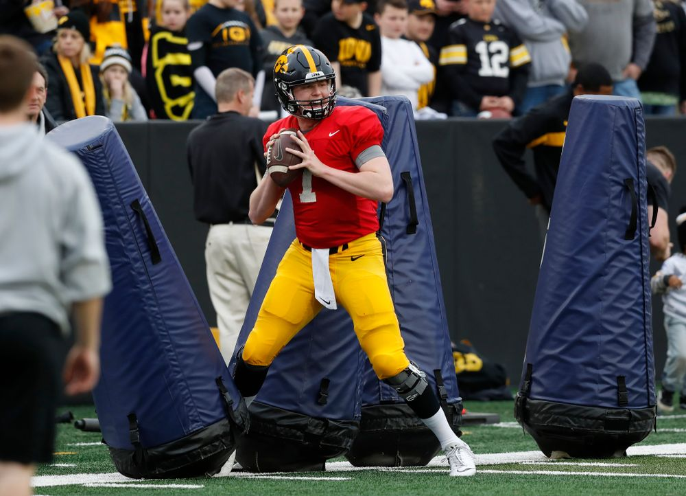 Iowa Hawkeyes quarterback Spencer Petras (7) during the final spring practice Friday, April 20, 2018 at Kinnick Stadium. (Brian Ray/hawkeyesports.com)