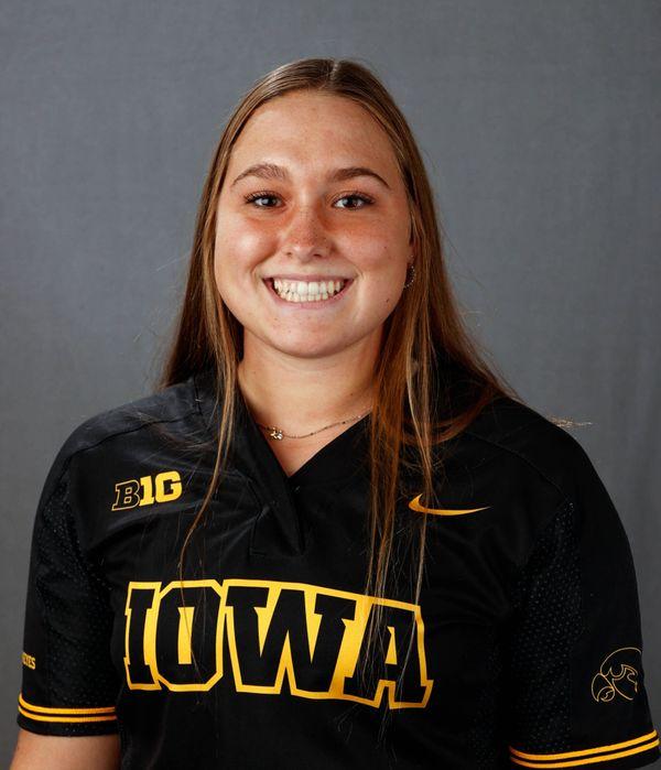 Emma Henderson - Softball - University of Iowa Athletics