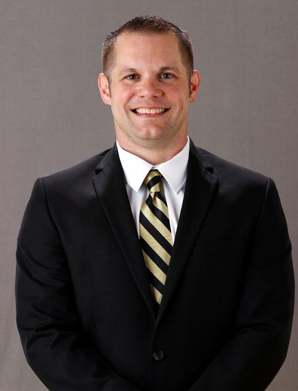 Nathan Mundt - Women's Swim & Dive - University of Iowa Athletics
