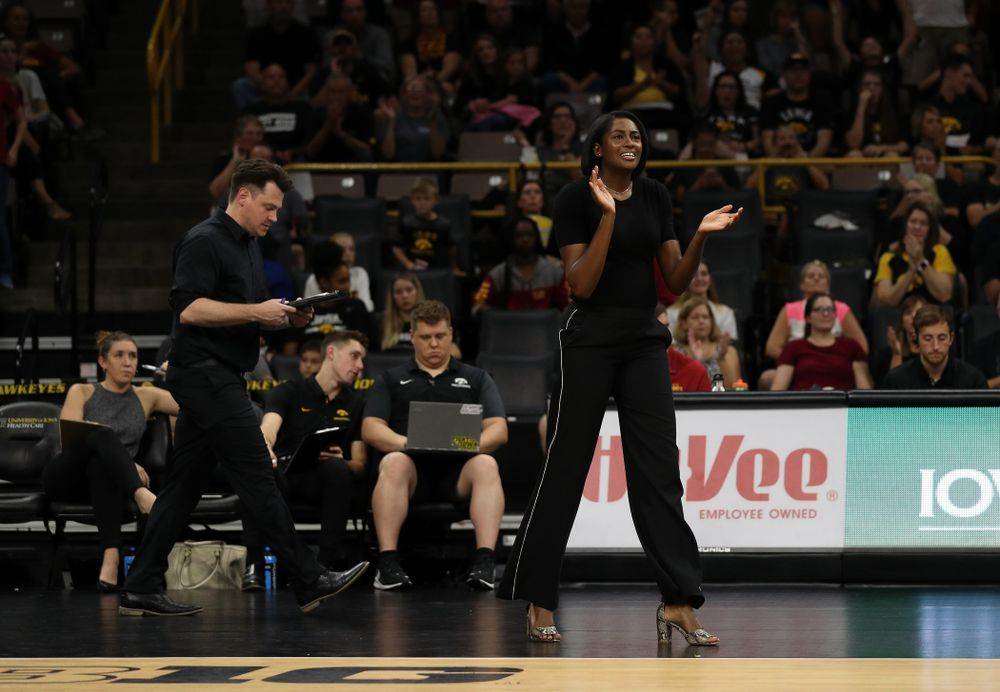 Iowa Hawkeyes head coach Vicki Brown against the Iowa State Cyclones Saturday, September 21, 2019 at Carver-Hawkeye Arena. (Brian Ray/hawkeyesports.com)
