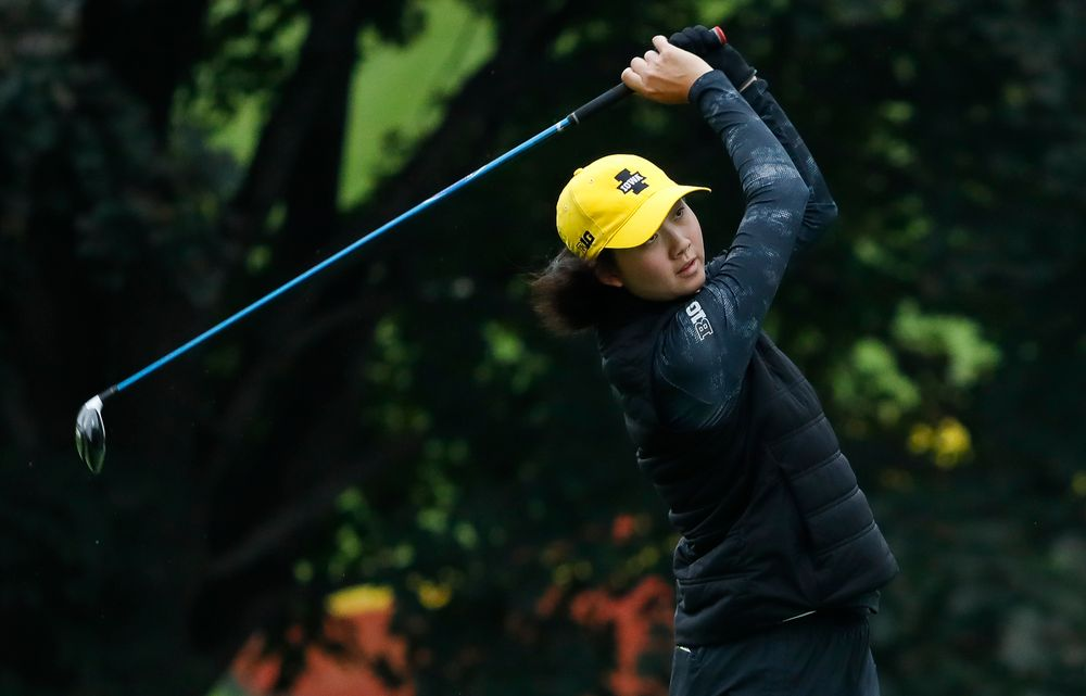 Iowa's Sophie Liu tees off during the final round of the Diane Thomason Invitational at Finkbine Golf Course on September 30, 2018. (Tork Mason/hawkeyesports.com)