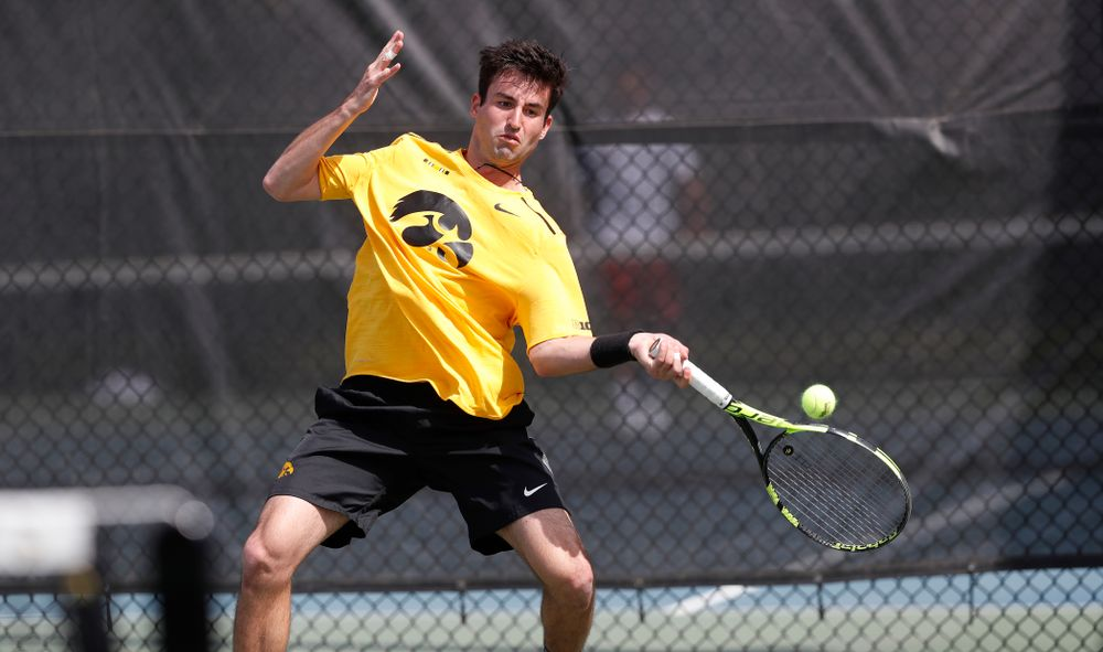 Josh Silverstein against Northwestern in the first round of the 2018 Big Ten Men's Tennis Tournament Thursday, April 26, 2018 at the Hawkeye Tennis and Recreation Complex. (Brian Ray/hawkeyesports.com)