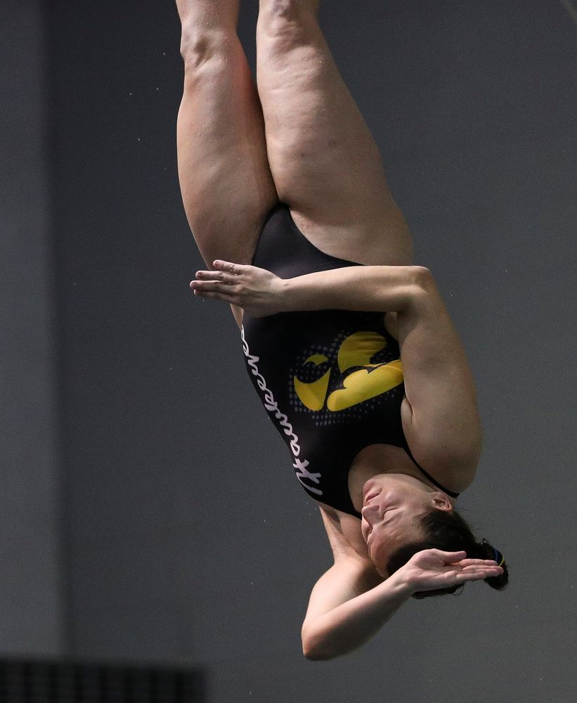 Iowa's Jacintha Thomas competes in the women's 3-meter springboard competition during the third day of the Hawkeye Invitational at the Campus Recreation and Wellness Center on November 16, 2018. (Tork Mason/hawkeyesports.com)