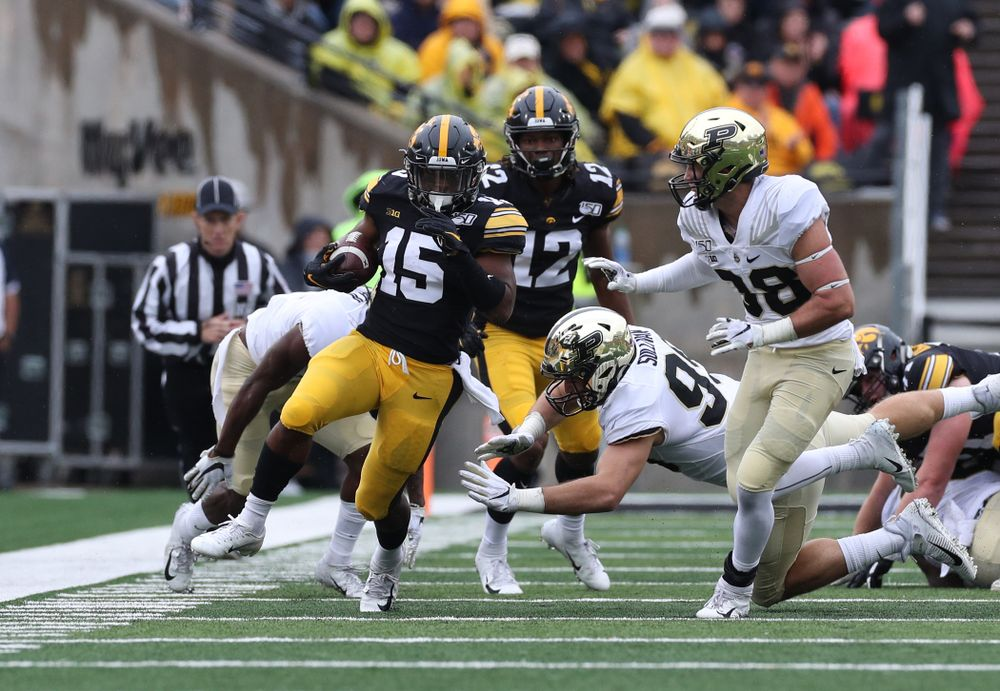 Iowa Hawkeyes running back Tyler Goodson (15) against the Purdue Boilermakers Saturday, October 19, 2019 at Kinnick Stadium. (Brian Ray/hawkeyesports.com)