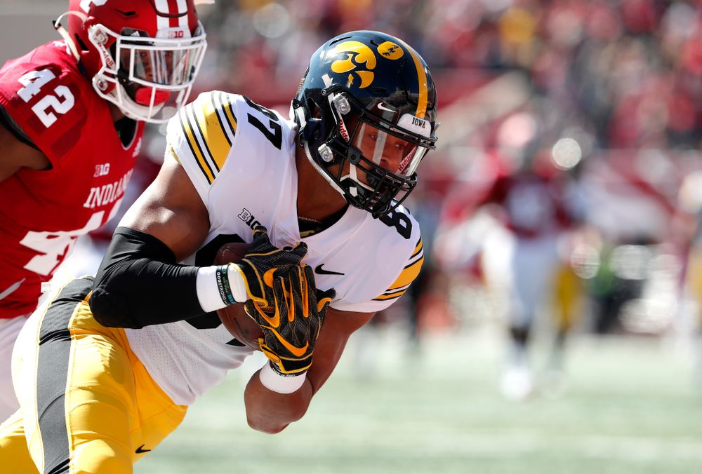 Iowa Hawkeyes tight end Noah Fant (87) against the Indiana Hoosiers Saturday, October 13, 2018 at Memorial Stadium, in Bloomington, Ind. (Brian Ray/hawkeyesports.com)