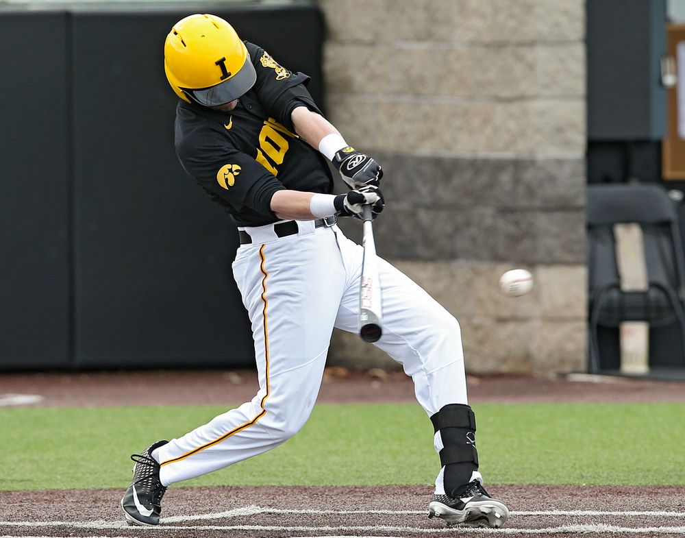 Iowa Hawkeyes Chris Whelan (28) gets a hit during the third inning of their game against Illinois at Duane Banks Field in Iowa City on Saturday, Mar. 30, 2019. (Stephen Mally/hawkeyesports.com)