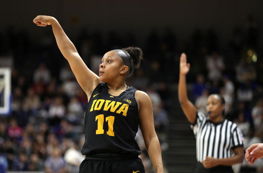 Iowa Hawkeyes guard Tania Davis (11) against the Drake Bulldogs Friday, December 21, 2018 at the Knapp Center in Des Moines. (Brian Ray/hawkeyesports.com)