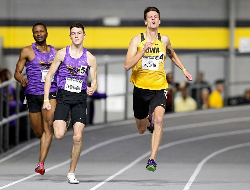 Iowa's Cooper Koenig runs the men's 200 meter dash event at the Black and Gold Invite at the Recreation Building in Iowa City on Saturday, February 1, 2020. (Stephen Mally/hawkeyesports.com)