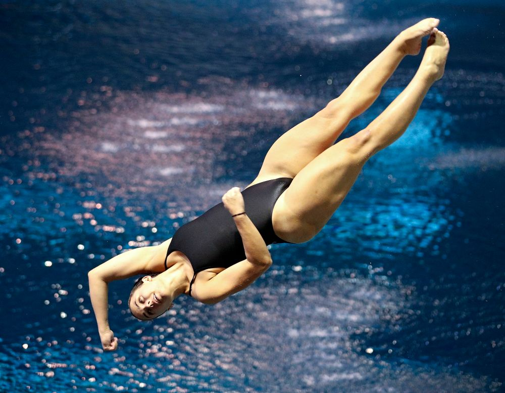 Iowa's Jayah Mathews competes in the women's 1-meter diving event during their meet against Michigan State and Northern Iowa at the Campus Recreation and Wellness Center in Iowa City on Friday, Oct 4, 2019. (Stephen Mally/hawkeyesports.com)