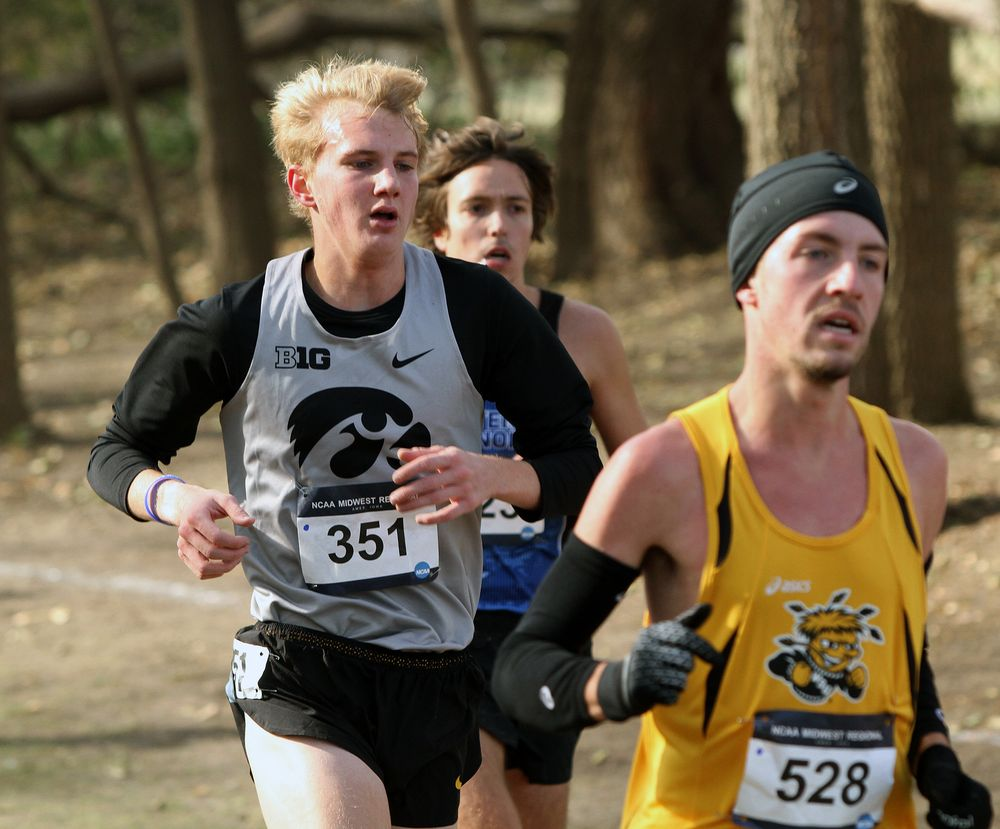 Sophomore Luke Sampson competes in the 10,000-meters at the NCAA Regional.